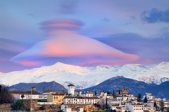 Granada nasa nube lenticular